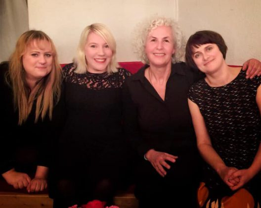 Die Sisters im Polittbüro: Paula Irmschler, Turid Müller, Miriam Wurster, Ella Carina Werner